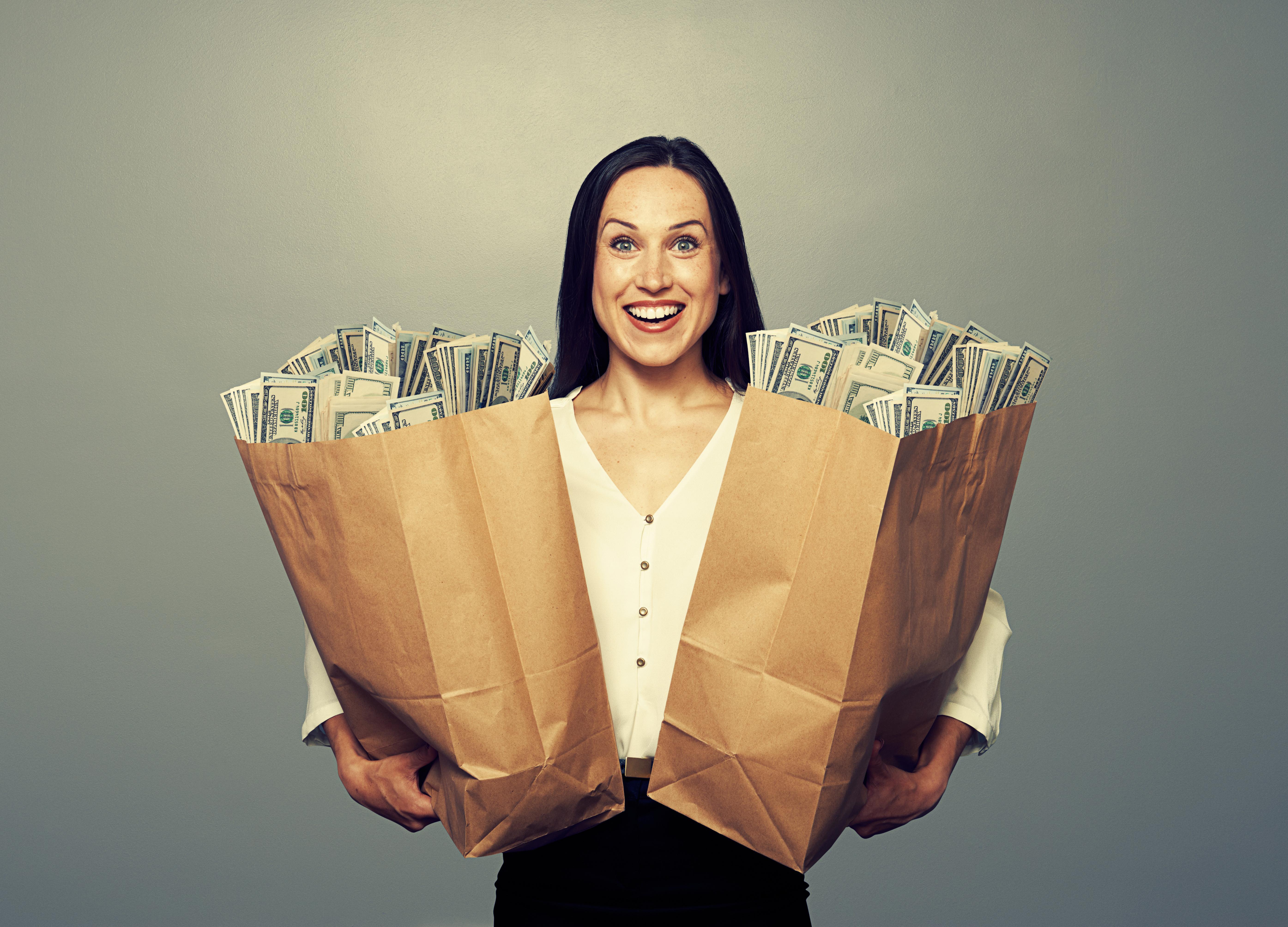 Почему женщины отдаются за деньги 24 фотография